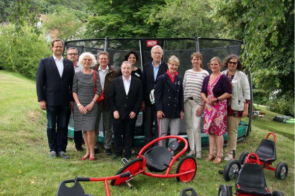 Vertreter der lokalen Serviceclubs (Rotary, Zonta, Lions) und Menschenskinder Marburg